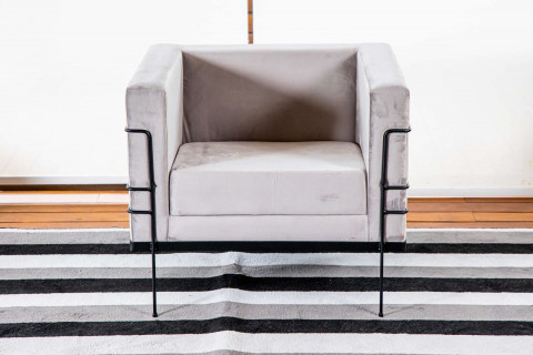 Poltrona Corbusier Aço Preto