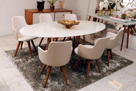 Mesa Oval Detalhes em Metal com 6 cadeiras Giratória