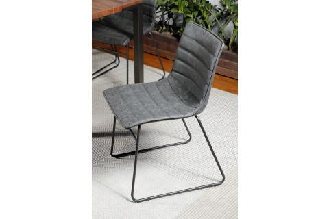 Cadeira com Assento revestido em PU Preto